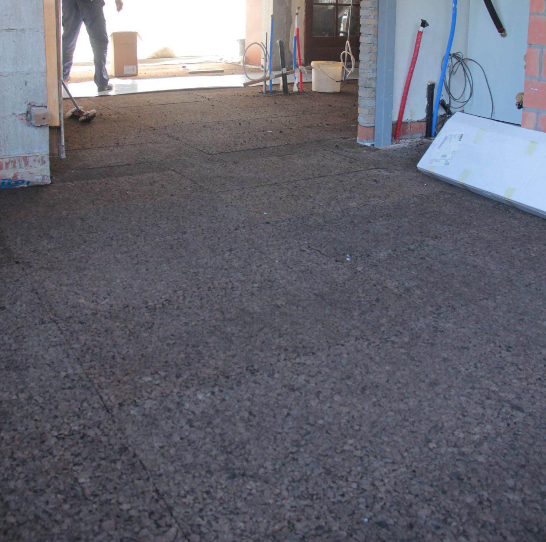 Isolation du sol en isoliège pour un confort thermique et acoustique